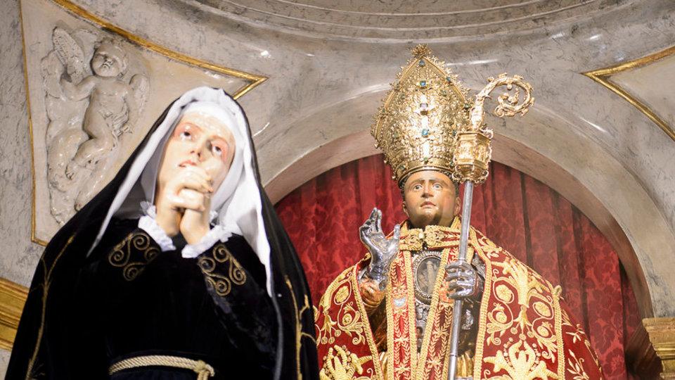 Nuestra Señora de la Soledad junto a San Fermín