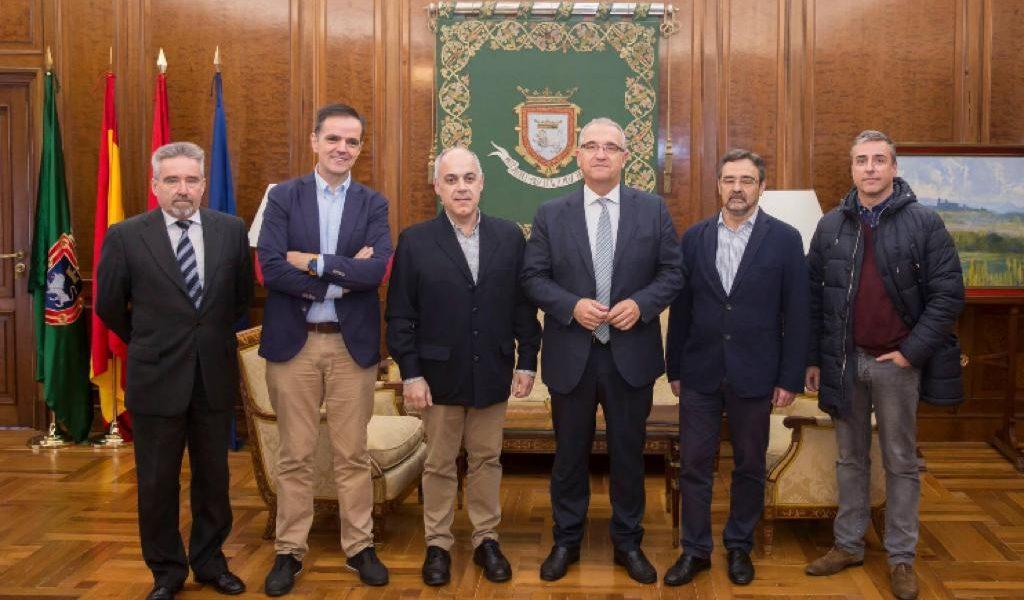 Acto institucional en el Ayuntamiento de Pamplona